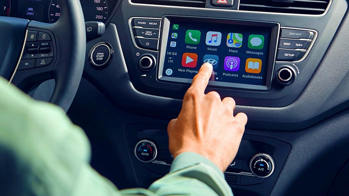 *Apple CarPlay™ är ett registrerat varumärke som tillhör Apple Inc