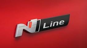 Stiligt N Line-emblem, svarta sidobackspeglar