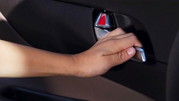 Kliv säkert ut ur bilen