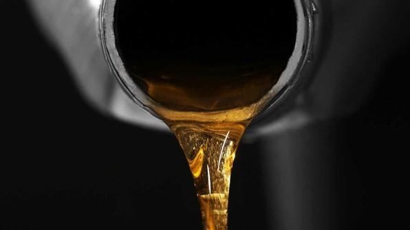 Det här betyder färgen på oljan
