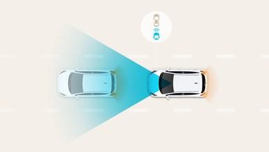 Automatisk nödbroms med igenkänning av fordon och fotgängare (FCA)